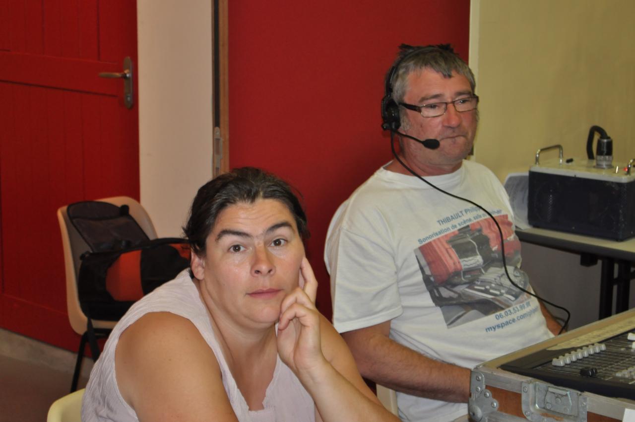 Christelle et Fifi en attente avant le spectacle