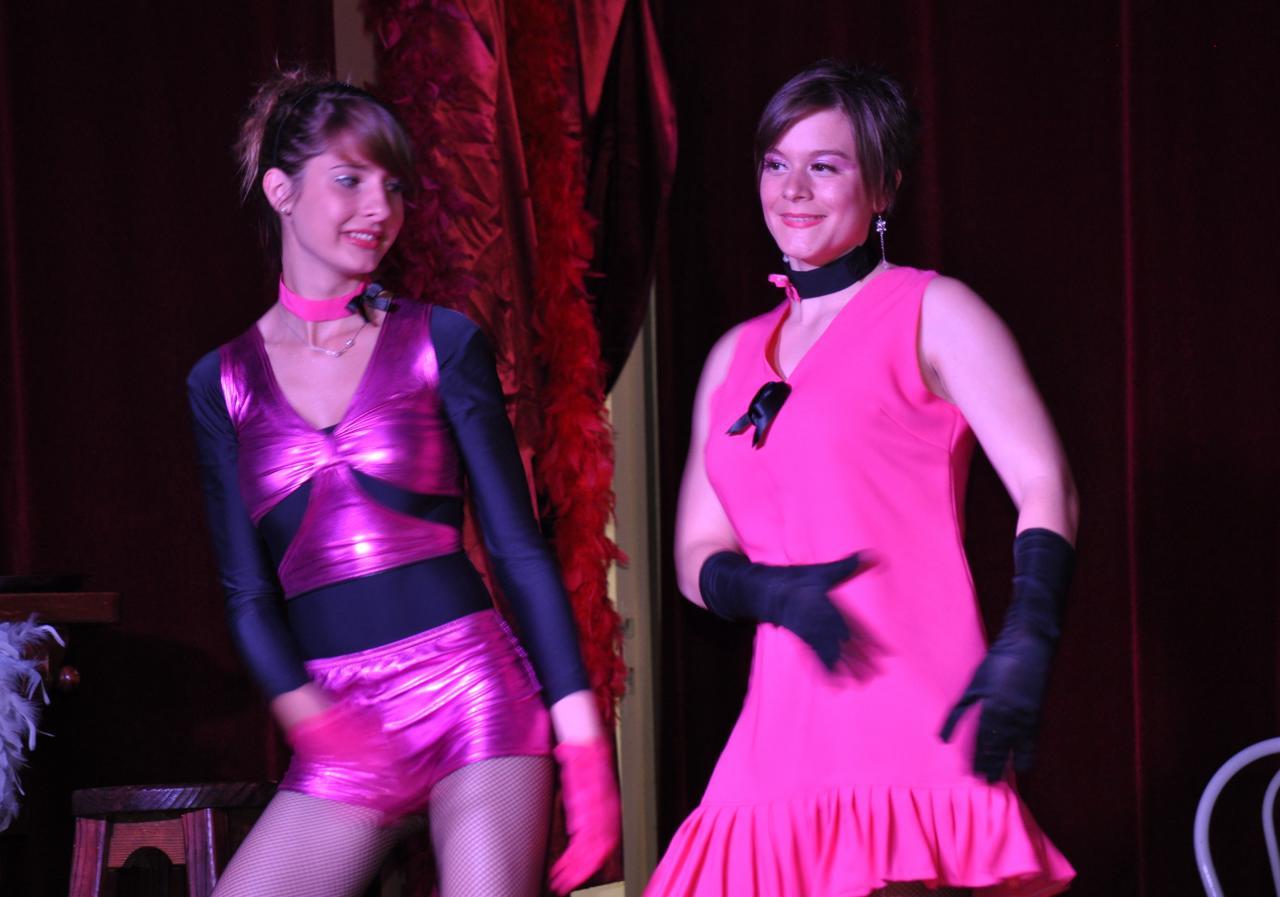 Claire et Emilie dans