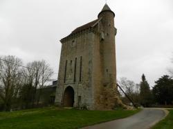 Le Donjon du Château de PAUDY