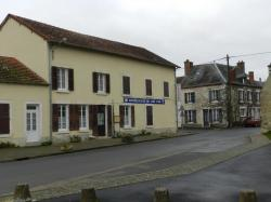 Le café-restaurant au centre du village de PAUDY